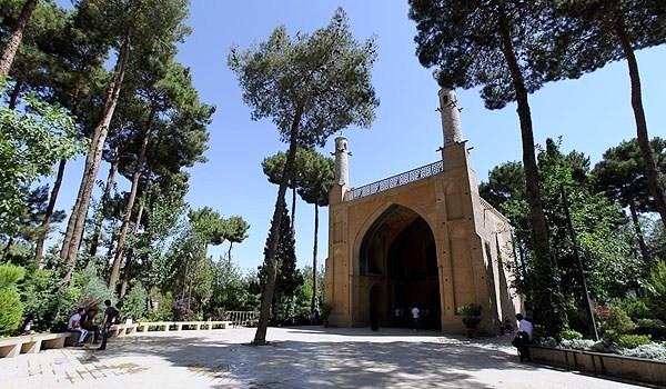 Minar-e Jonban ISFAHAN IRAN