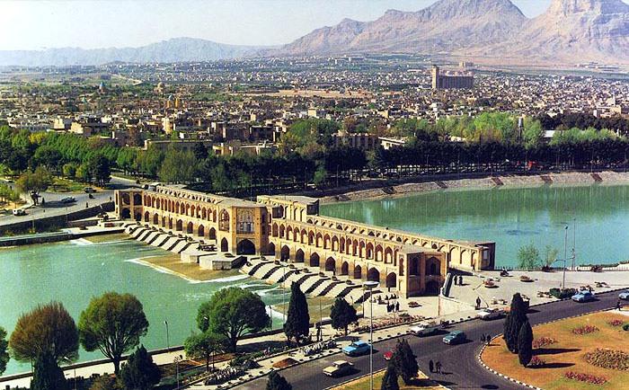 Famuse bridges in Isfahan