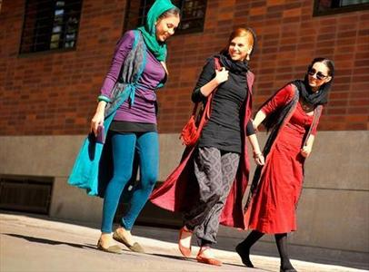 Iranian women Dressing